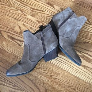 Crown Vintage Brown Suede booties size 8.5